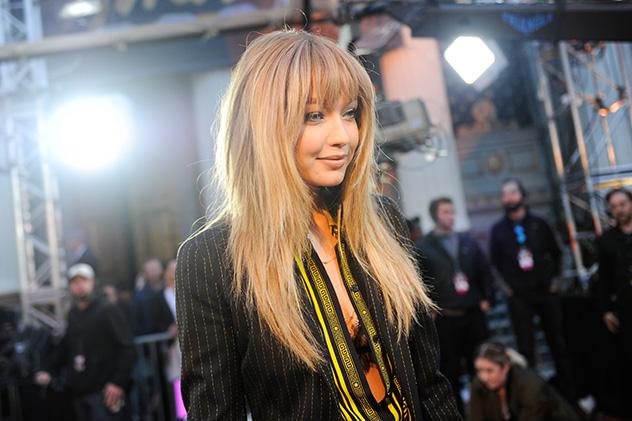 ג'יג'י חדיד. אין לנו ספק שהיא משפריצה בושלם על שערה המדהים (צילום גטי אימג'ס)