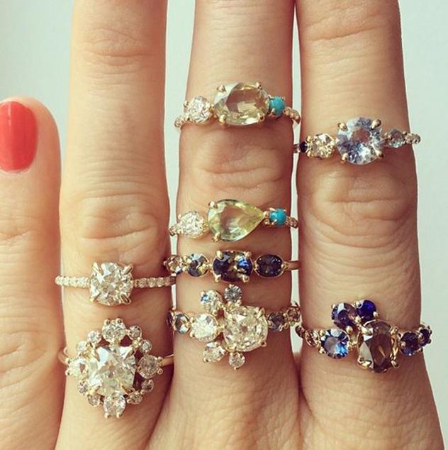 יותר מדי אפשרויות. הטבעות של המעצבת הניו יורקית קייטלין מושן (צילום: אינסטגרם mociun)