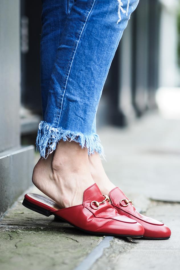 הסליפרס כבשו כל פינה ברחוב. הנעליים של גוצ'י שעשו בית ספר לכולם (צילום :אינסטגרם)