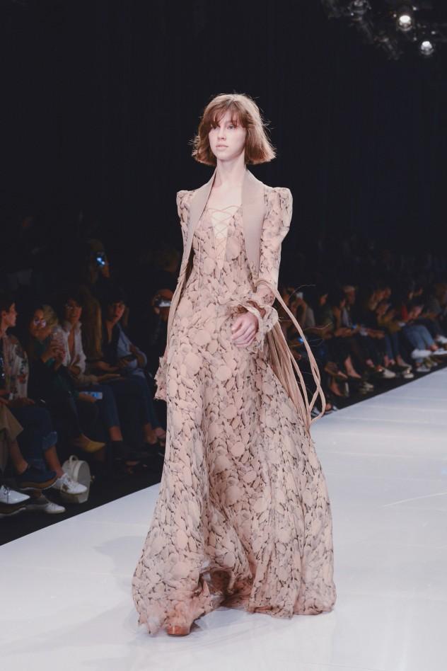 בתצוגה של ויוי בלאיש בשבוע האופנה גינדי תל אביב (צילום: פרדי מולי)
