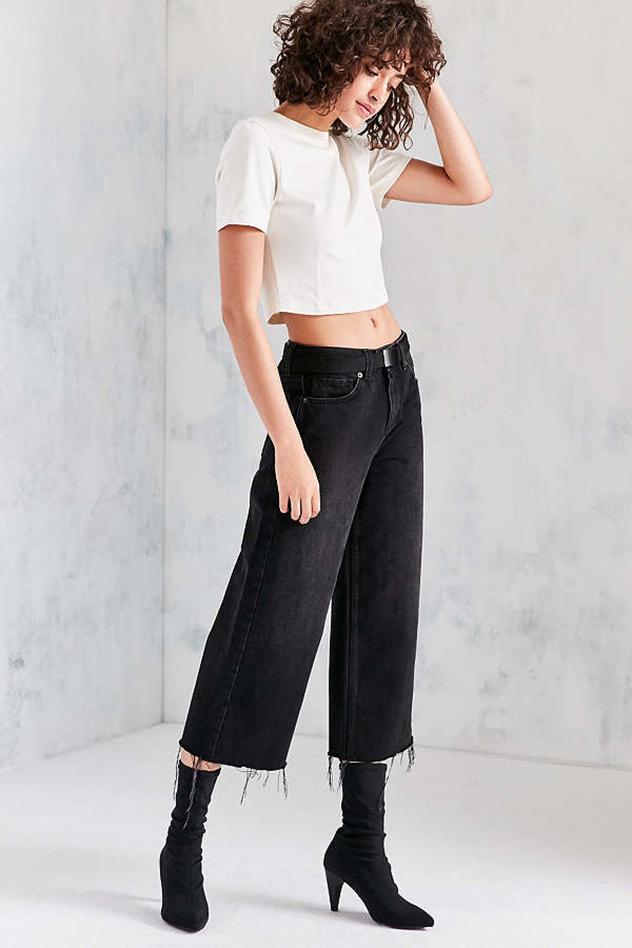 הסיבים יתכווצו ואיתם הג'ינס כולו (צילום: urban outfitters)