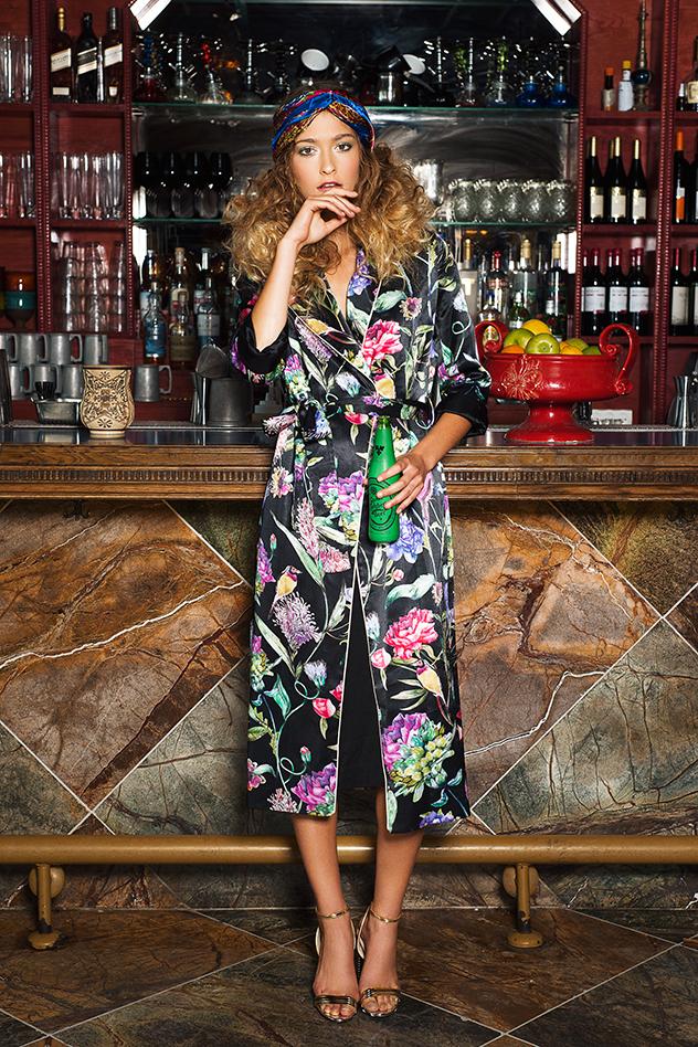 שמלה: h&m . נעליים: אלדו, מטפחת: אוסף פרטי