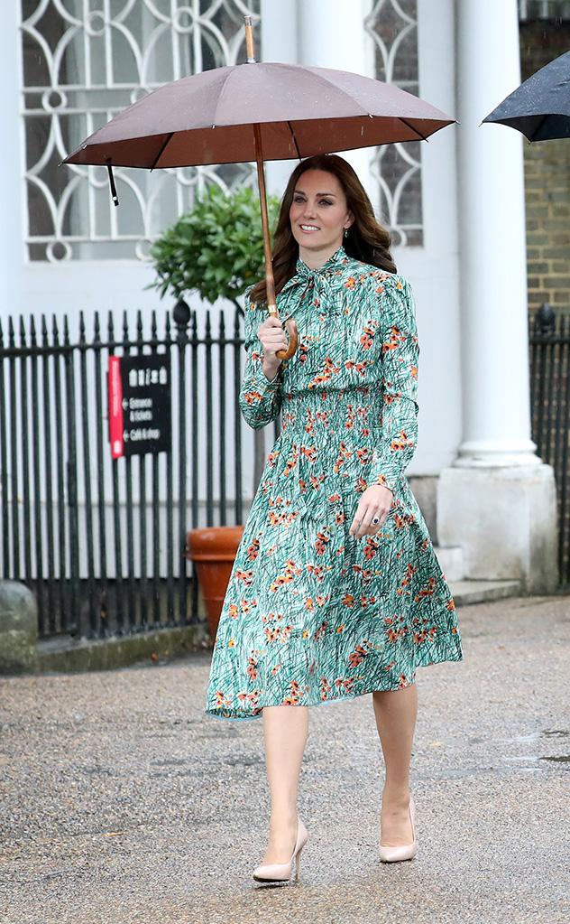 גם היא נסיכה של העם. קייט אתמול, בדרך לגן לזכרה של דיאנה (צילום: Chris Jackson/Getty Images)