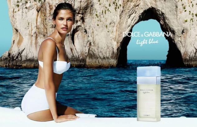 """חוגגת את חופי איטלקיה בפרסומת לבושם Light Blue (צילום: יח""""צ)"""