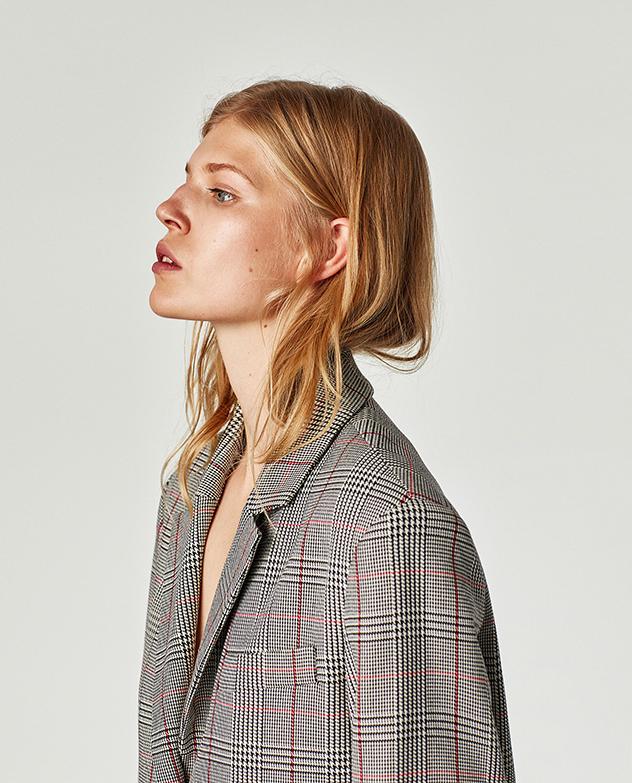 הכי פשוט הכי יפה. קבלו את הז'קט האפור המשובץ (צילום: מתוך האתר של זארה)