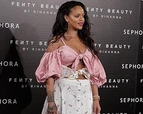 זה רשמי: ריהאנה היא אייקון האופנה הכי משפיע ב-2017