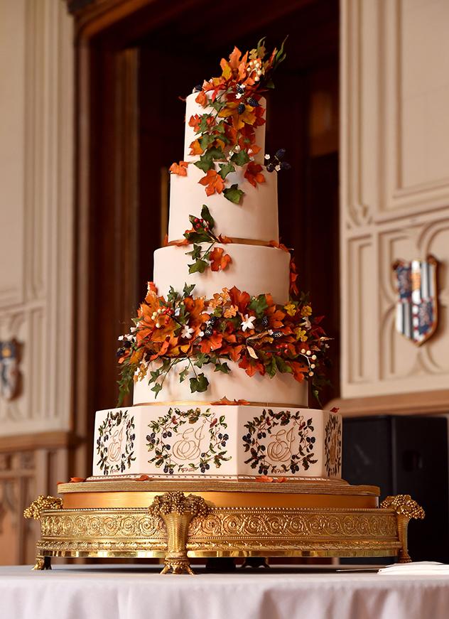 תמונה מתבקשת של העוגה (צילום: Matt Crossick - WPA Pool/Getty Images)
