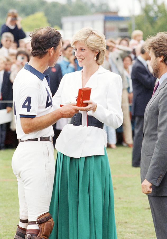 סטייל אייקון לעד. הנסיכה דיאנה וצ'ארלס (צילום: AP Photo/John Redman)