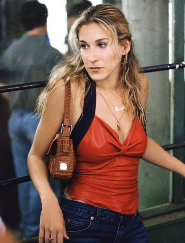 קארי עם הבגט שלה (צילום: HBO, צילום מסך)
