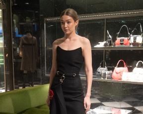 רוצות גם: ג'יג'י מצאה את השמלה השחורה הקטנה המושלמת
