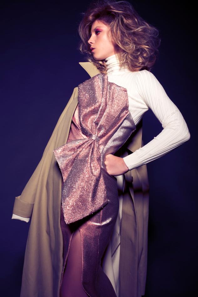 סטיילינג: מרי באזוב, סריג: זארה, שמלה: גליה להב, מעיל: COS