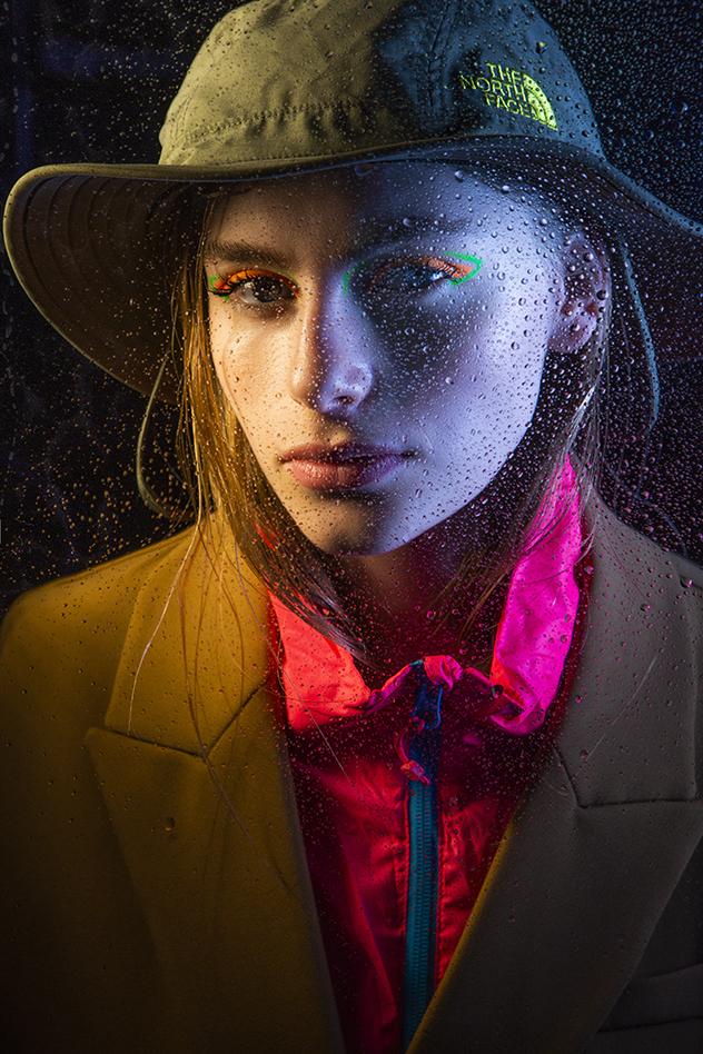ז'קט: זארה, 329 שקל, מעיל רוח: ריקושט, 279 שקל, כובע: ריקושט, 159 שקל