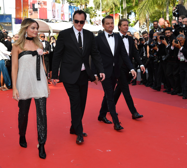 """אחרי הים עלתה על בגדי שאנל והגיעה לפרמיירה של """"היו זמנים בהוליווד"""" (צילום: Pascal Le Segretain; Getty Images)"""