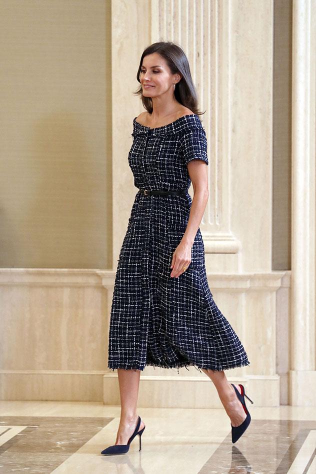 לטיסיה בשמלה של זארה. 105 שקלים והיא שלכם (צילום:  GTres / SplashNews.com  Splash News)