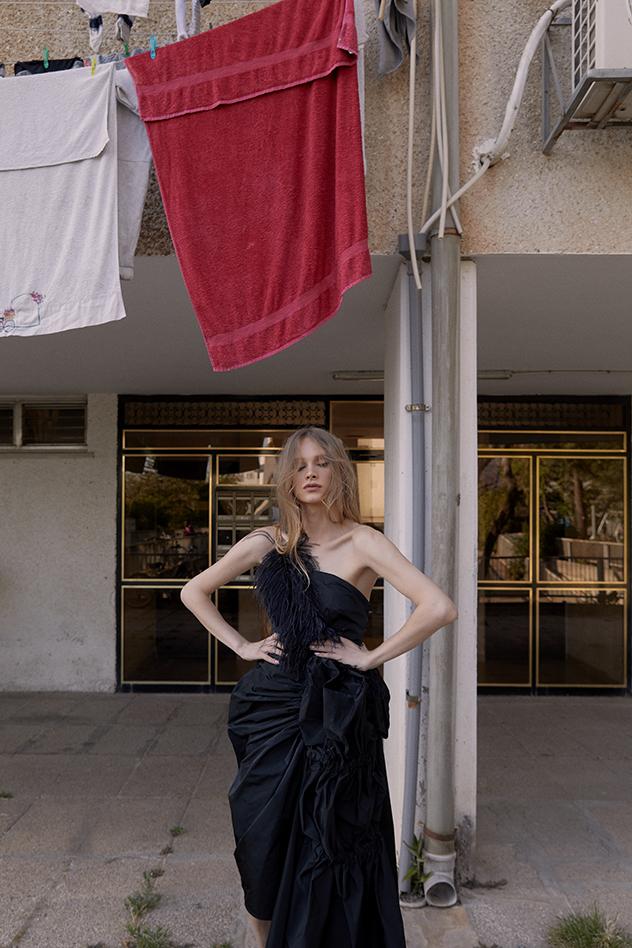 שמלה: הלגה עיצובים (צילום: לירון ויסמן)