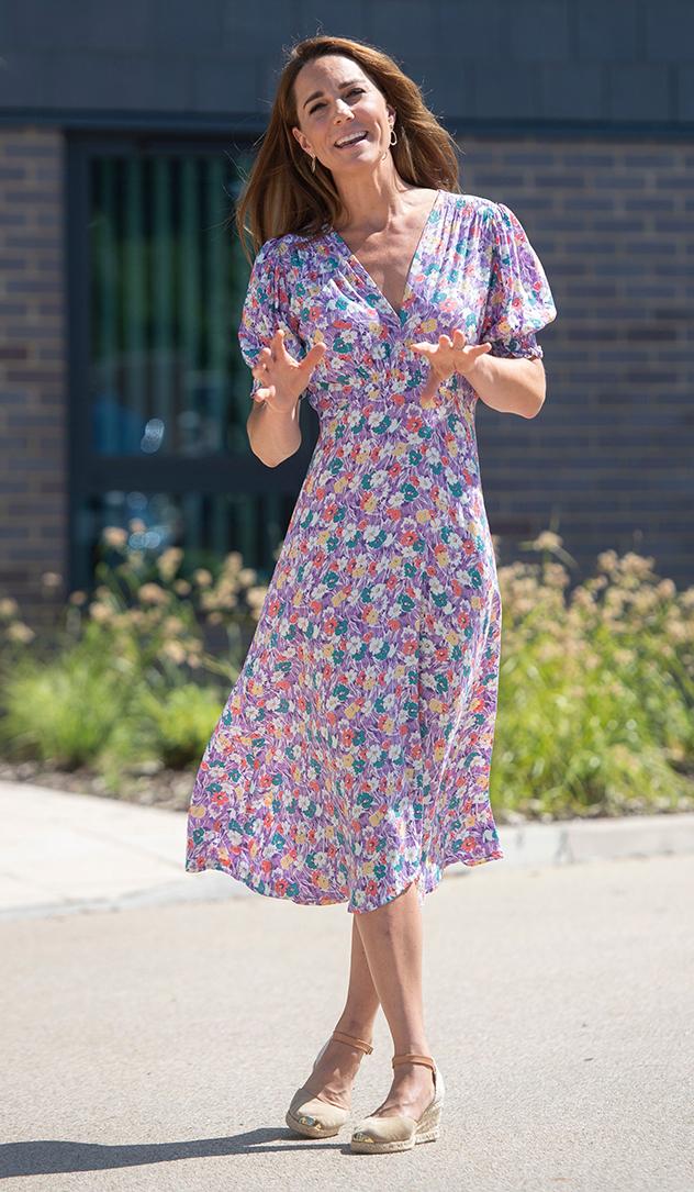 קייט מידלטון ושמלת הקיץ ההורסת (צילום: JOE GIDDENS לגטי אימג'ס)