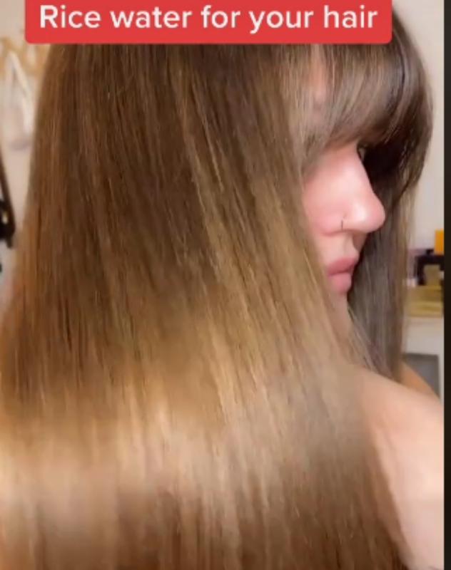 """""""אומייגד, השיער שלי נראה כל כך טוב"""" (צילום: מתוך טיקטוק,  deebekksta)"""
