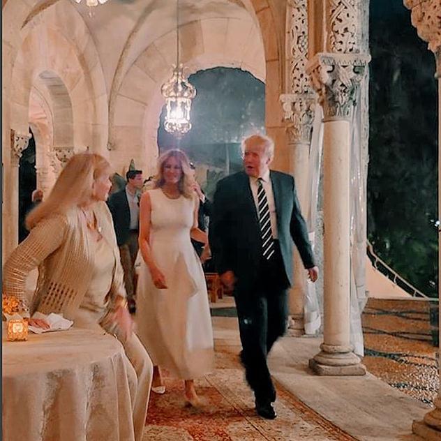 מלניה ודונלד. בלונדינית ומחוייכת (צילום: אינסטגרם First Family Trumps