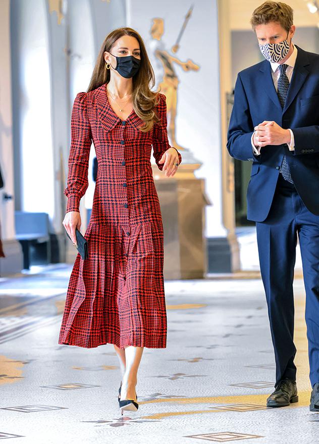 קייט והשמלה המפתיעה (צילום: onathan Buckmaster לגטי אימג'ס)