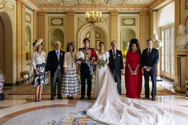 לצד המשפחה (צילום: Alejandra Ortiz / Casa de Alba / EFE)