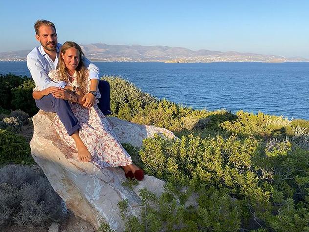בני הזוג פוטגנים בחופשה לפני החתונה (צילום: ninaflohr אינסטגרם)