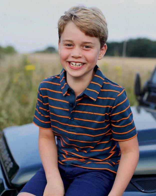 הנסיך ג'ורג' חוגג שמונה ונראה כבר ילד גדול (צילום: אינסטגרם Prince George of Cambridge)