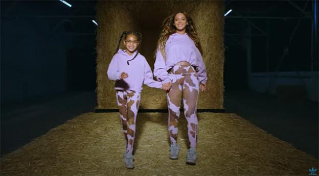 ביונסה ובלו אייבי לובשות אייבי פארק (צילום: אינסטגרם weareivypark)