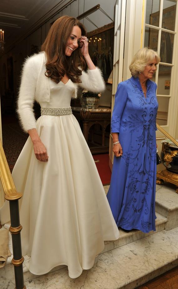 קייט מידלטון בשמלת האפטר פארטי של החתונה של שרה ברטון | צילום: גטי אימג'ס