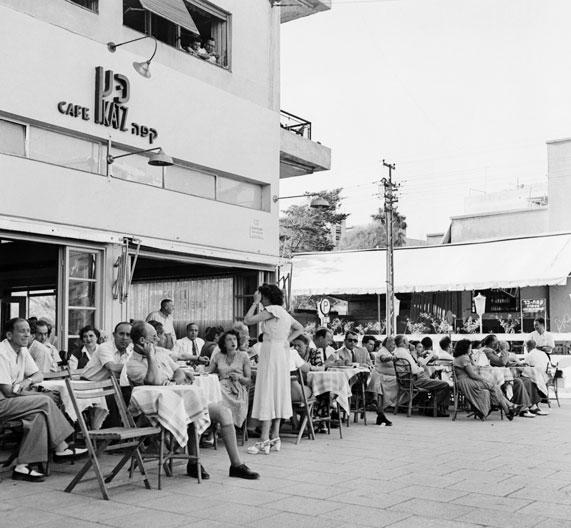 בית קפה בתל אביב, שנות ה-50