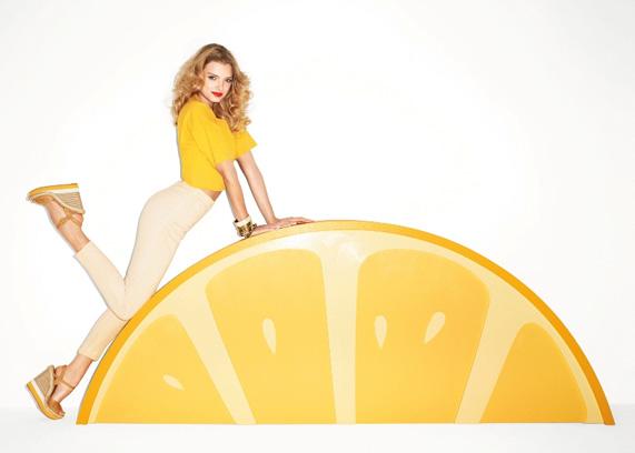אספדריל בפרסומת אלדו קיץ 2011