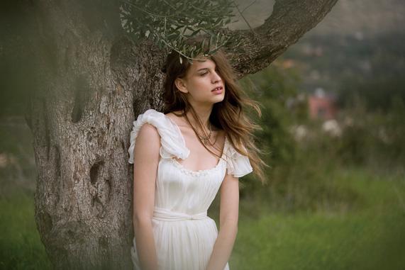 שמלת כלה של הילה גאון | צילום: גיא כושי ויריב פיין
