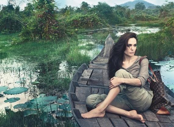 אנג'לינה ג'ולי בלי איפור בקמפיין לואי ויטון בקמבודיה | צילום: אנני לייבוביץ'