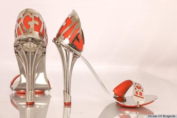 נעלי בורגזי, נעליים עם ביטוח לאלף שנה