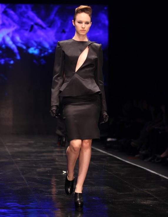 התצוגה של יניב פרסי בשבוע האופנה בתל אביב | צילום: ראובן שניידר